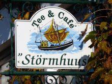 Café Störmhuus am Hafen von Neuharlingersiel an der Nordsee nahe dem Ferienhaus Kolks Huus