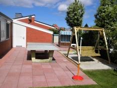 Für die Belegung und Buchung des Ferienhauses Kolks Huus in Neuharlingersiel ist die zweite Terrasse im geschlossenen und gepflegten Garten vom 4-Personen Ferienhaus Kolks Huus in Neuharlingersiel sehr wichtig.